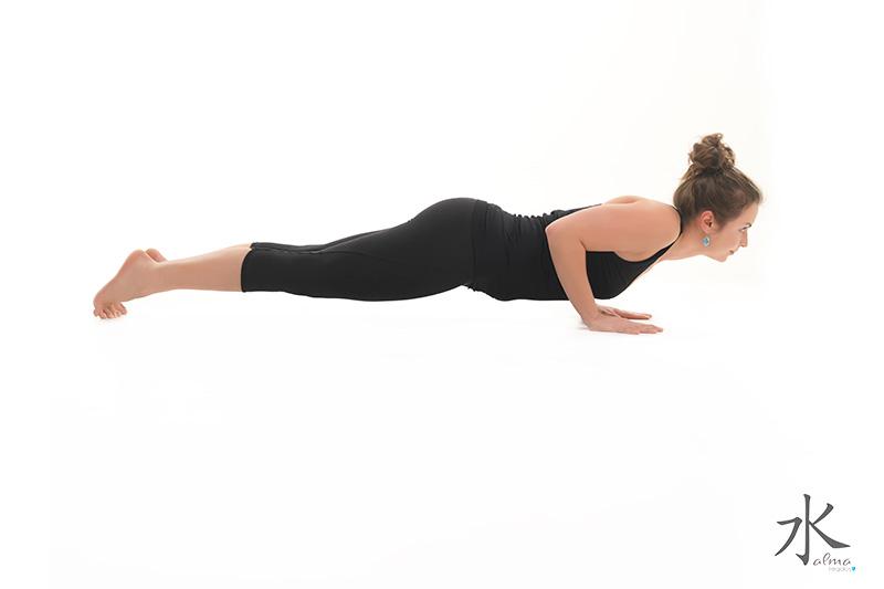 Postura del bastón de cuatro extremidades