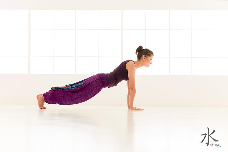 Yoga postura de la tabla